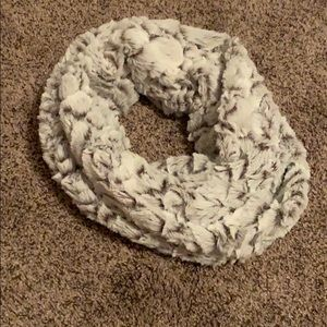 SOFT white infinity scarf